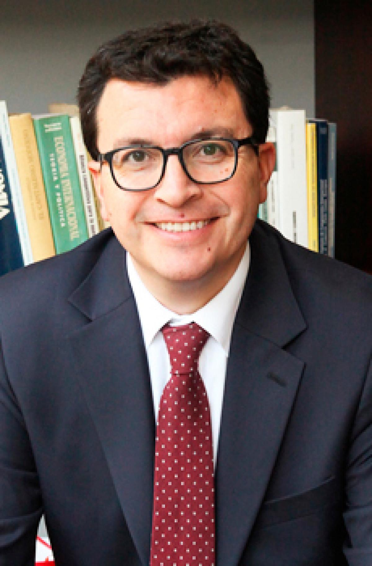 Miguel Brunaud R